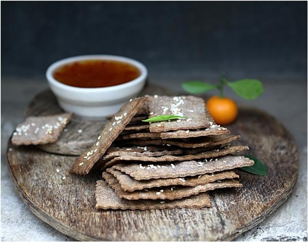 Rye Cheddar Crackers